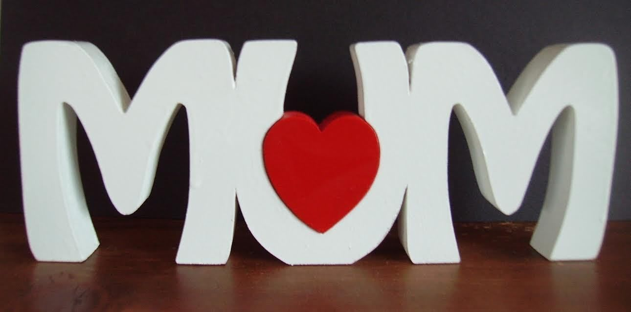Mum Freestanding Wooden Name Plaque Sign With Red Heart